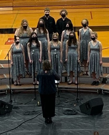 BJSHS Choir performs during concert